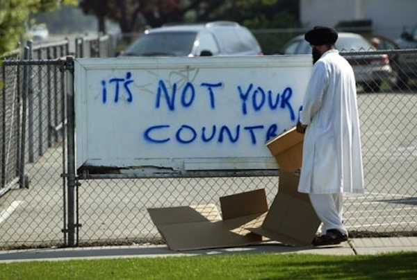 Sikh in America contrastano l'odio, raccogliendo una cifra record per una campagna nazionale pubblicitaria con l'obiettivo di diffondere conoscenza sui sikh
